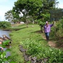 Entrega de plantas de vivero para reforestación en El Castillo (proyecto Araucaria)