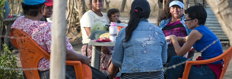 """Lucía, María, Yahaira, Myriam y Janet son presidenta, bombera, tesorera, fiscal y vocal del CAPS de Salinas Grandes en León: """"La comunidad ve que desde que hemos vuelto tienen agua de nuevo»"""